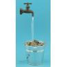 Fontaine robinet magique seau avec cailloux