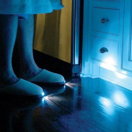 Chaussons avec lumière intégrée (Vu à la TV)