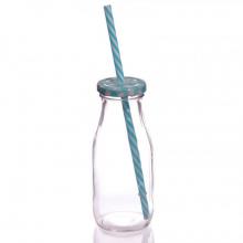 Bouteille en verre avec paille bleu