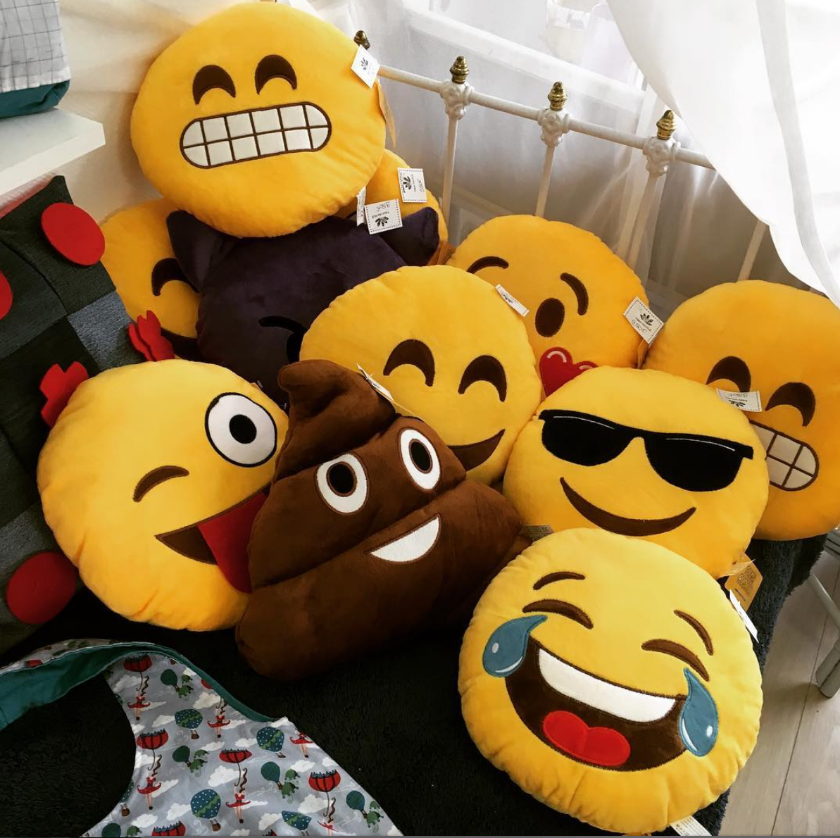 Coussin Rigolo coussin xl emoticon smiley clin d'oeil rigolo